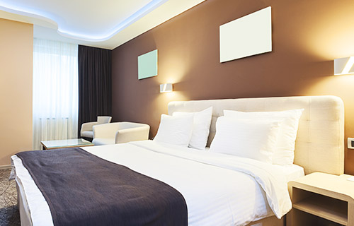 空气源三联供机组应用范围广泛,可应用于酒店,商场,学校,医院,洗浴等