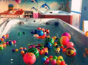 燕郊乐天玛特艾尔婴幼儿游泳中心