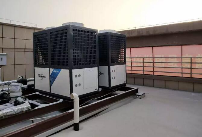 新疆1283㎡自建房使用空气能热泵采暖过冬